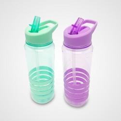 botella plástica con tapa, pico y detalles de silicona AW-55